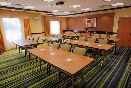 Fairfield Inn & Suites Milledgeville: Meeting Room