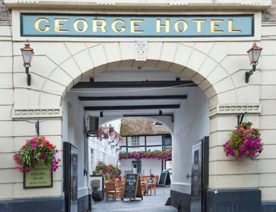 The George Hotel: Exterior