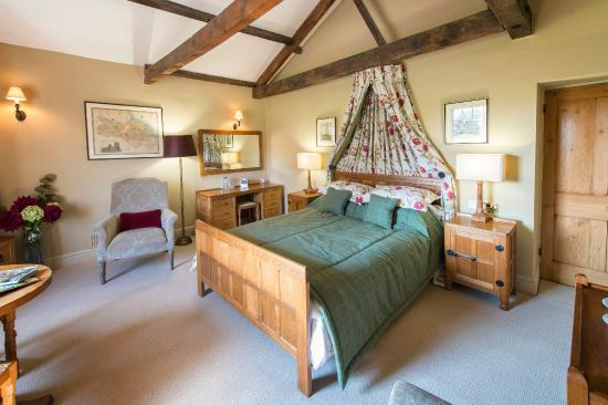 Coxwold, UK: The beautiful Mouseman Bedroom has been furnished with exquisite hand carved oak furniture