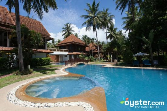 Coral Hotel Bangsaphan