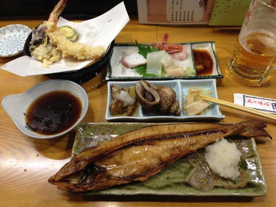 Hotel Miyuki : 夕・朝食付プランにセットの夕食(天ぷらと刺身はちょっと食べてます)