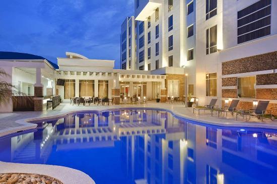 Hilton Garden Inn Tuxtla Gutierrez: Outdoor Pool