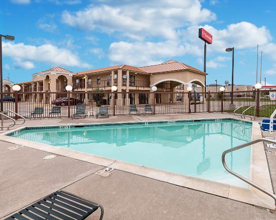 Econo Lodge Hillsboro : Pool