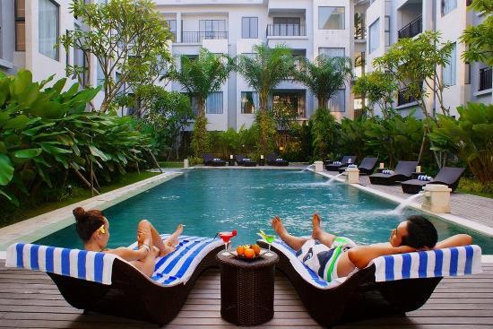 Umalas Hotel and Residence: Swimming Pool