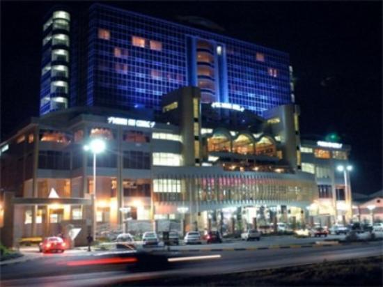 The Panari Hotel: Exterior