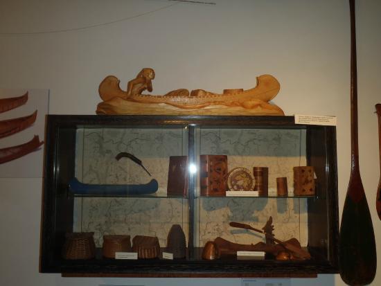 Oquossoc, ME: Native American Woodcraft