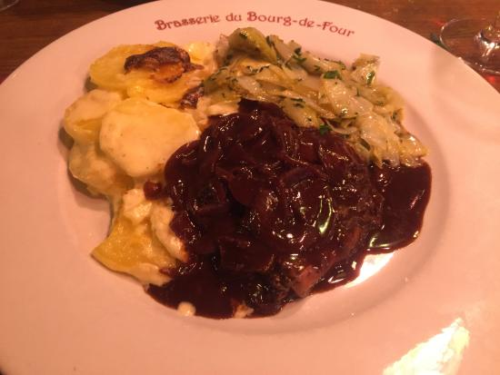 Cafe du Bourg de Four: Roastbeef in wine sauce with endives fricassée and gratin - out of this world good