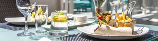 Glen Boutique Hotel & Spa: Terrace Dining