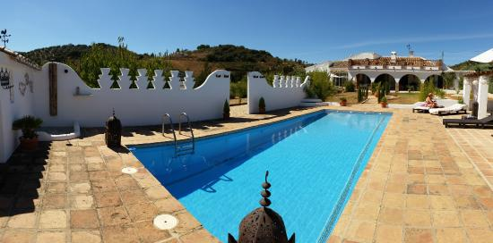 Villanueva del Rosario, Spanyol: Sunny days by the pool