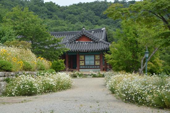 Wolmyeongam Hermitage