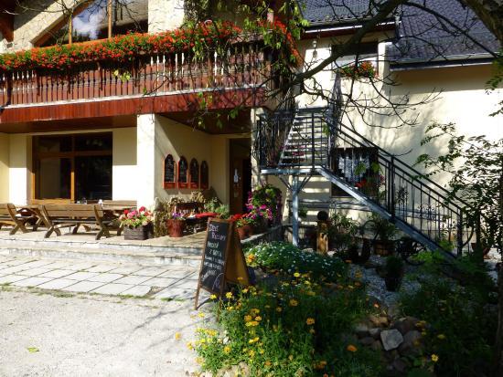 Izbicko, Polen: wejscie do restauracji