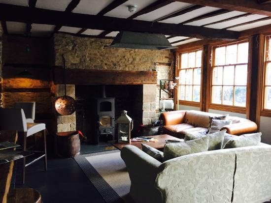 Wigmore, UK: The Lounge