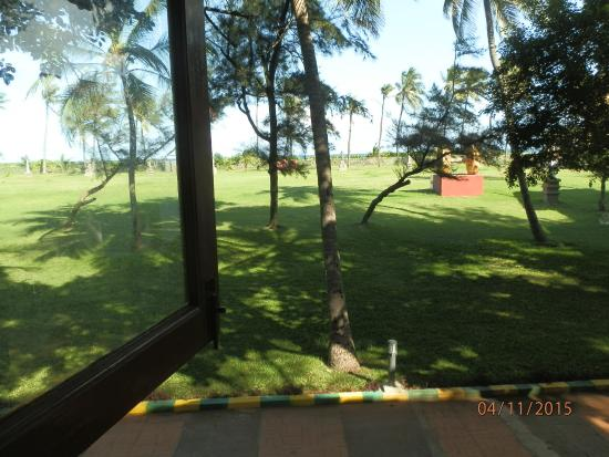 VGP Golden Beach Resort: view from room..the lawn and sea beyond..