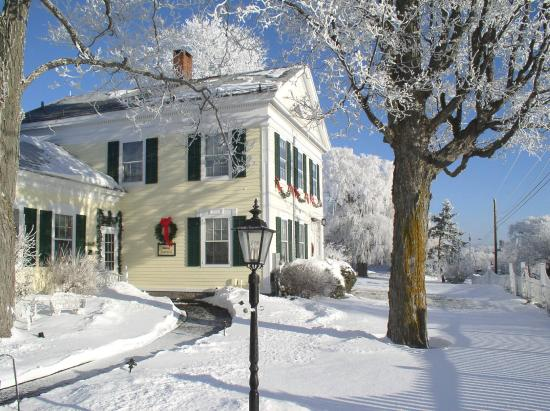 Strong House Inn: Winter
