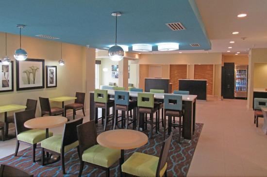La quinta inn suites collinsville st louis updated for A q nail salon collinsville il