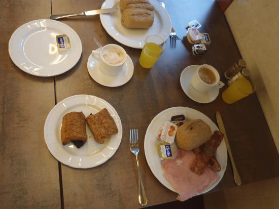 Hotel Mar Blau: breakfast