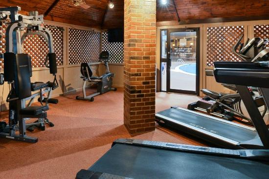 Clarion Inn Garden City : Fitness Center
