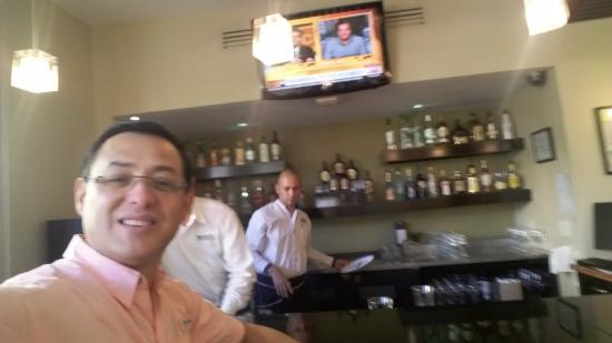 Quality Hotel Real San Jose: comedor y bar