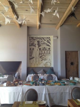 Catharina's Restaurant at Steenberg: Breakfast buffet and inside of resturaunt