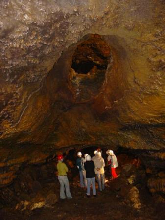 Azores GreenMark - Feel the Azorean Nature: Espeleologia - Speleology