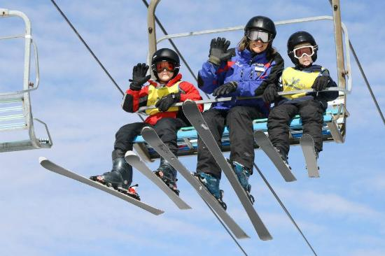 Flat Top, WV: SkiWee programs for kids ages 4-11.