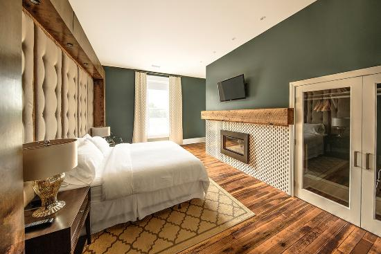 The Harkness Hotel: The Indigo Bedroom