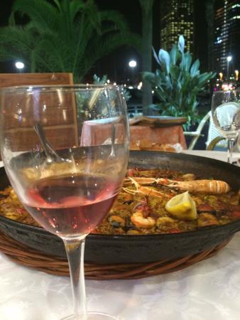 вино к паэлье