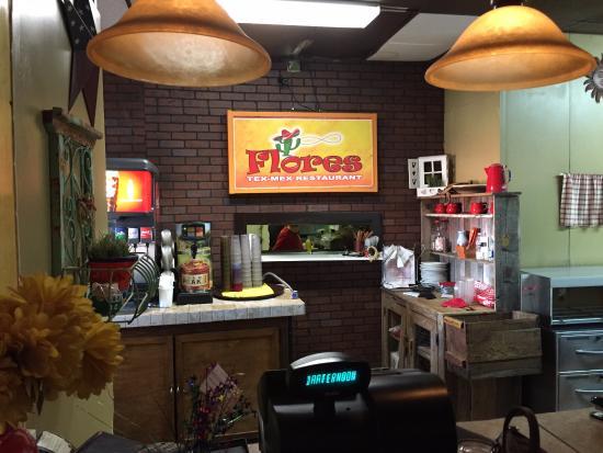 Hamilton, เท็กซัส: Indoors looking into Kitchen Near Cashier Station
