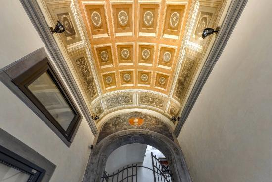Palazzo Uguccioni: Entrance