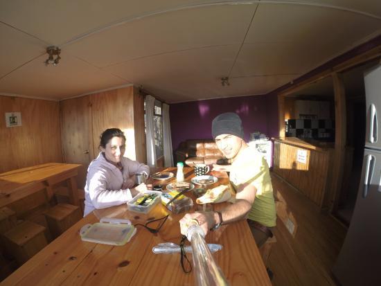 Hostal Lili-Patagonico: vista desde el comedor en el 2 piso con un sol espectacular.