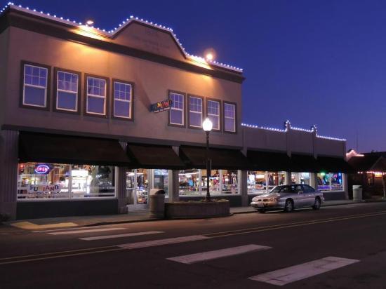 Family Fun Center Established in 1992 here in Long Beach, WA. 200 Pacific Ave, Long Beach, WA 98