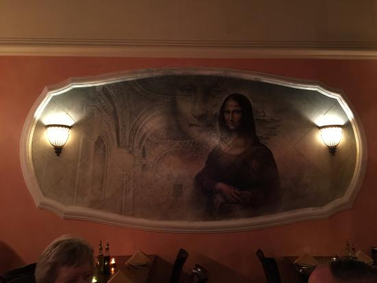 Romul's : One of the several hand painted murals gives a really great ambiance.