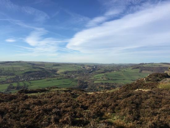 Calver, UK: curbur gap