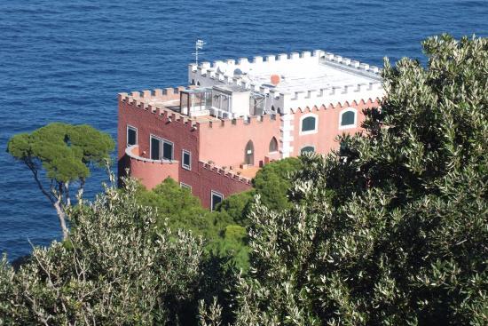 Luchino Visconti Museum - Villa La Colombaia : Виды с террас виллы...