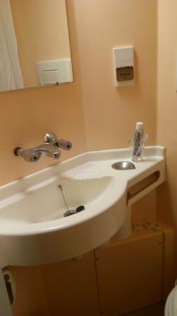 bagno di neanche 2 mq - Foto di Seymour Hotel, Londra - TripAdvisor