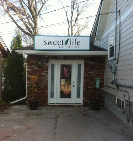 Steinbach, Canadá: Check out adjoining store, Sweet Life Tea & Coffee, for your loose tea & coffee supplies, gifts,
