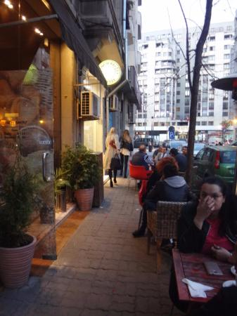 French Bakery: Outside seating was full
