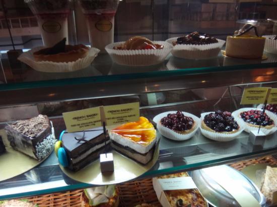 French Bakery Novotel: Cakes