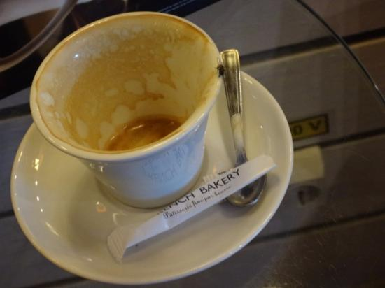French Bakery Novotel: A fly on my cup