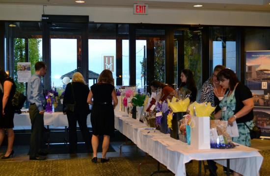 Bufflehead Pasta & Tapas Room : Guests bidding on silent auction items