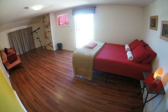 Auberge NOLA Hostel: 2 person Private Room