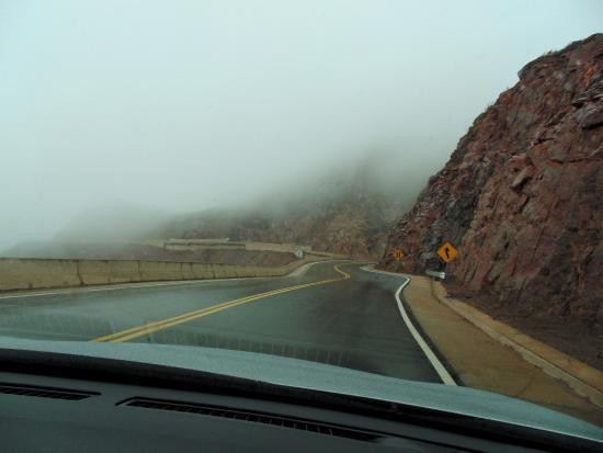 Lluvia y niebla en la Cuesta de Miranda;
