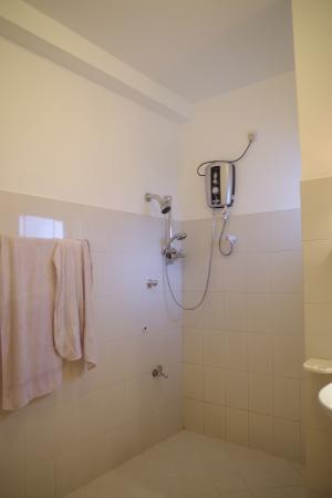 Nisala Guest House : ducha