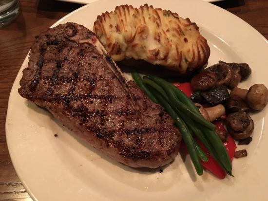 Oro Valley, Αριζόνα: Great service and food! This place is busy so get here early. Steak was cooked to perfection.