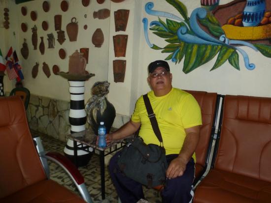 Casa Hostal Ivan & Lucy: patio con area recreativa
