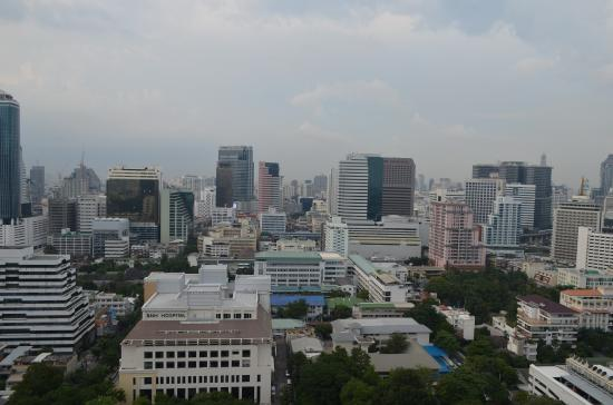Urbana Sathorn: 25th floor balcony city view