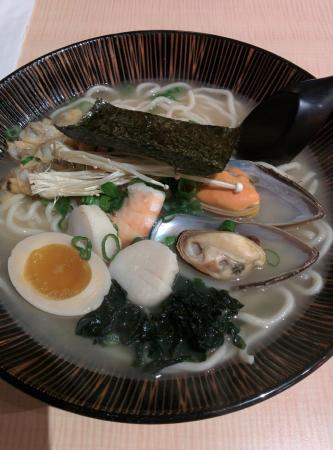 Jyuban  Ramen House : Ramen with seadfood