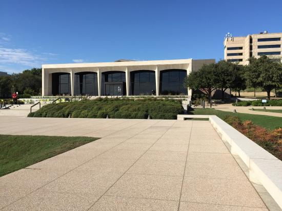 ‪Amon Carter Museum of American Art‬