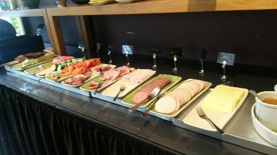 Profilhotels Hotel Uppsala: God frukost och mycket att välja på.