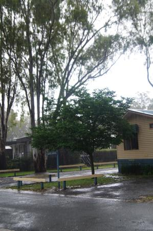 Deluxe Spa cabin - Picture of Discovery Parks - Echuca